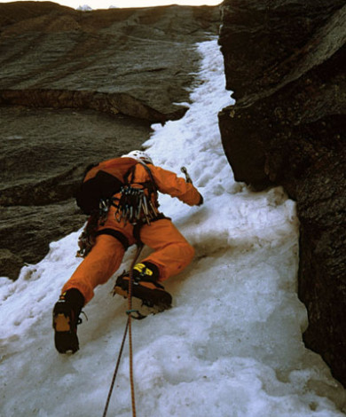Goulotte Direct Lagarde Segogne V-5+, Aig Du Plan, Chamonix, French Alps